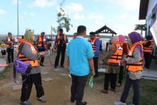 Gambar Aktiviti Menyusuri Sungai Pahang
